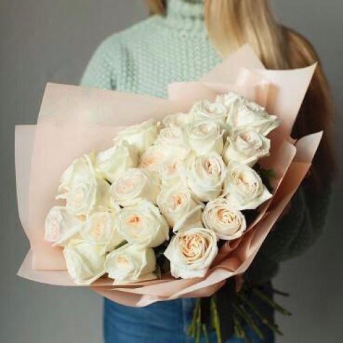 Купить на заказ Букет из 31 белой розы с доставкой в Жетысае