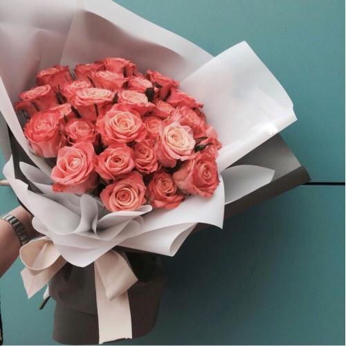 Купить на заказ Букет из 31 розовой розы с доставкой в Жетысае