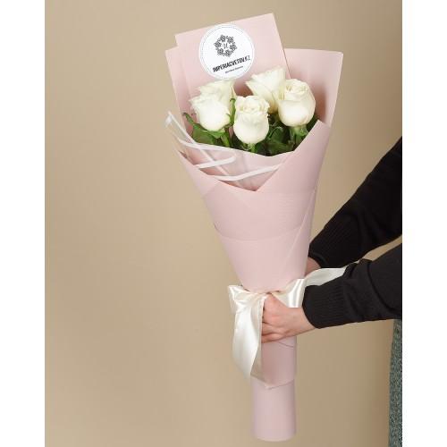 Купить на заказ Букет из 5 роз с доставкой в Жетысае