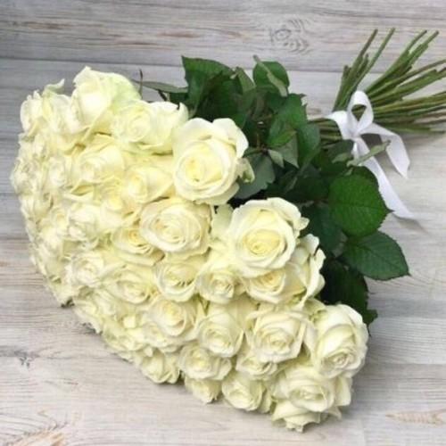 Купить на заказ Букет из 51 белой розы с доставкой в Жетысае