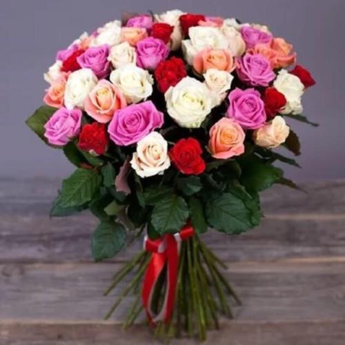 Купить на заказ Букет из 31 розы (микс) с доставкой в Жетысае